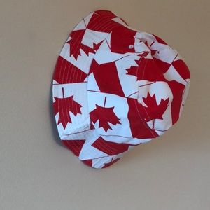 Accessories - Canadian flag print bucket hat